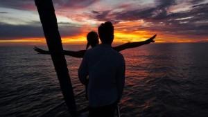 sailing the world sunset singapore travel blog
