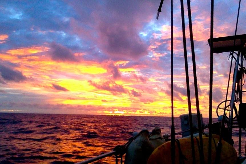 amazing remote tropical island cocos keeling sunset