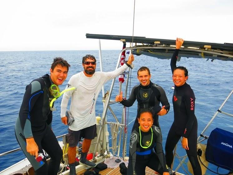 diving tubbataha reef sailing sv delos