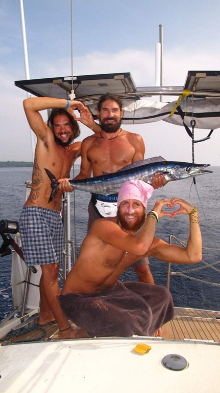 catching wahoo from sailboat circuumnavigatin