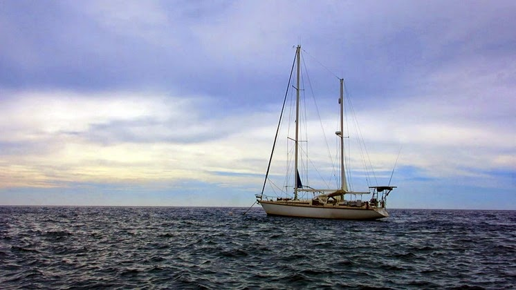 anchored at tubbataha reef